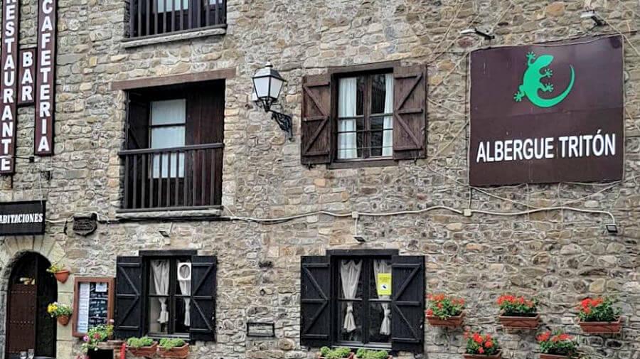 Albergue Tritón, Villanúa, Huesca - Camino Aragonés :: Albergues del Camino de Santiago