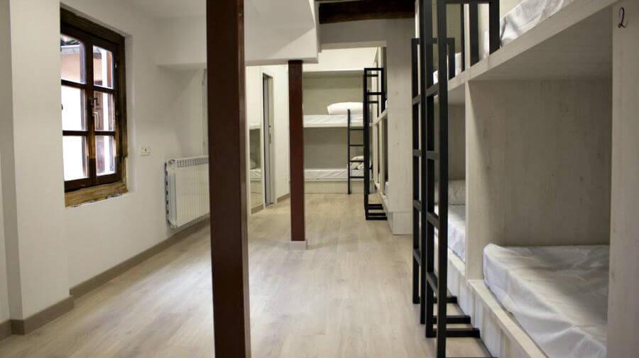 Albergue Hostel Palacio Jabalquinto, León - Camino Francés :: Albergues del Camino de Santiago