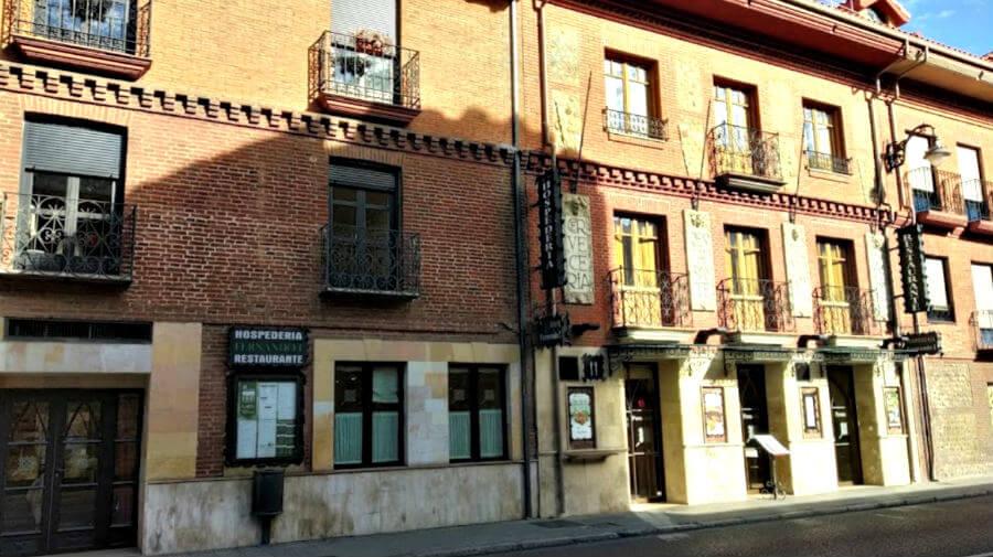 Hospedería Fernando I, León - Camino Francés :: Alojamientos del Camino de Santiago