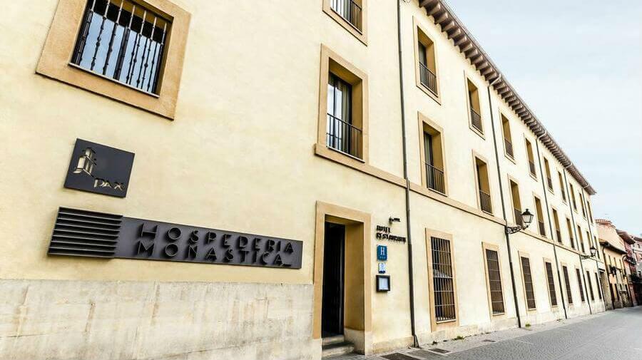 Hospedería Monástica Pax, León - Camino Francés :: Alojamietnos del Camino de Santiago