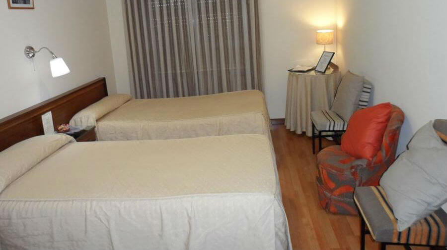 Hostal Coruña, Astorga, León - Camino Francés :: Alojamientos del Camino de Santiago