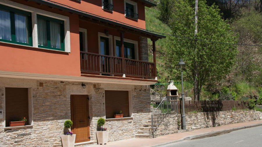 Hostal El Recanto, Vega de Valcarce, León - Camino Francés :: Alojamientos del Camino de Santiago