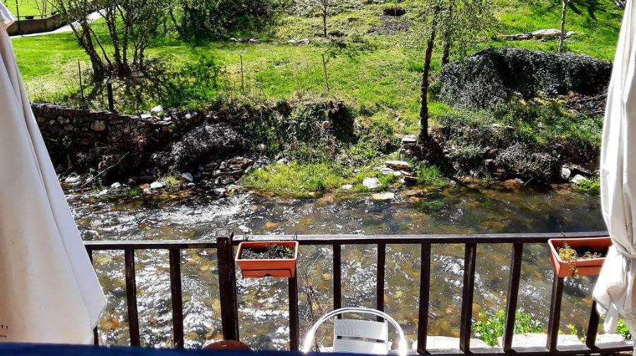 Hostal Las Rocas, Vega de Valcarce, León - Camino Francés :: Alojamientos del Camino de Santiago
