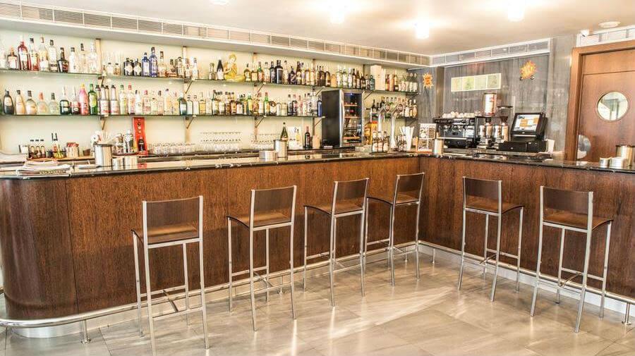 Hostal Nirvana, Ponferrada, León - Camino Francés :: Alojamientos del Camino de Santiago