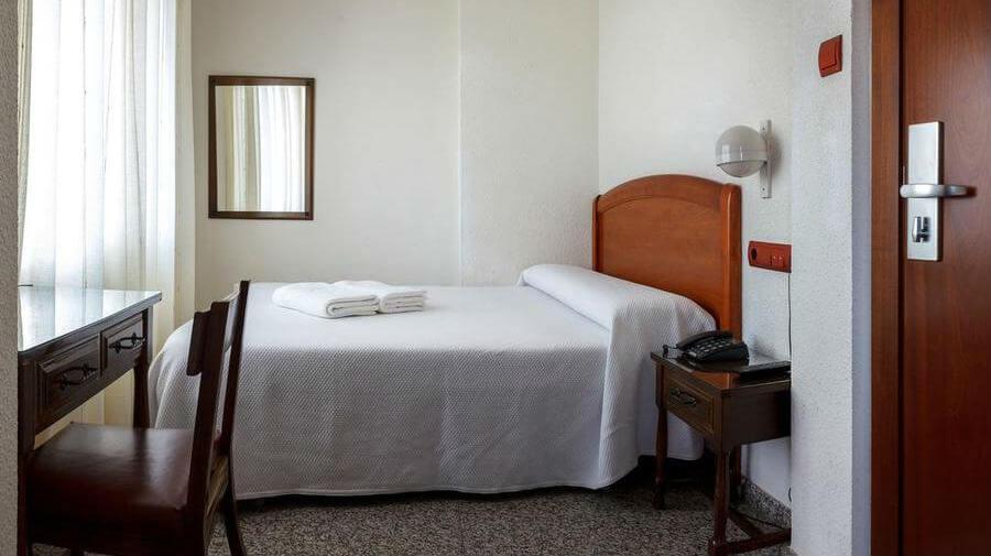 Hostal San Miguel, Ponferrada, León - Camino Francés :: Alojamientos del Camino de Santiago