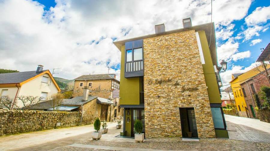 Hotel El Capricho de Josana, Molinaseca, León - Camino Francés :: Alojamientos del Camino de Santiago