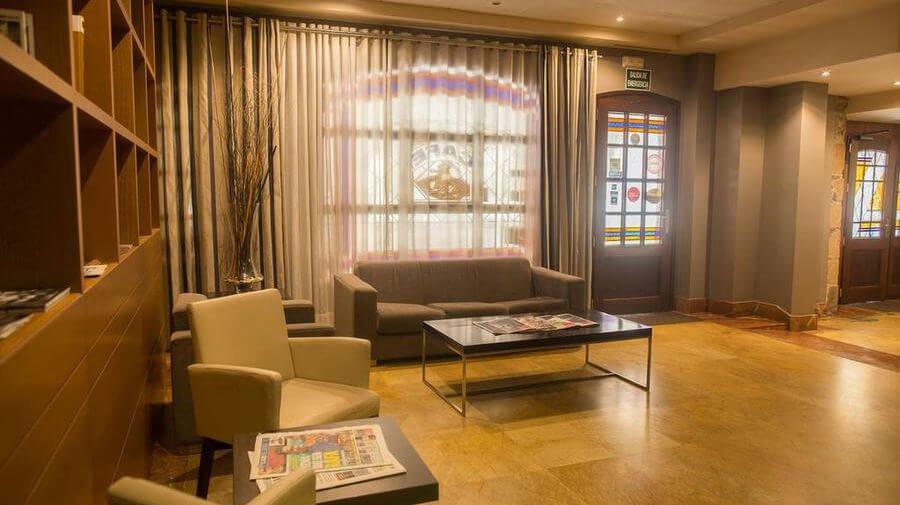 Hotel Aroi Bierzo Plaza, Ponferrada, León - Camino Francés :: Alojamientos del Camino de Santiago