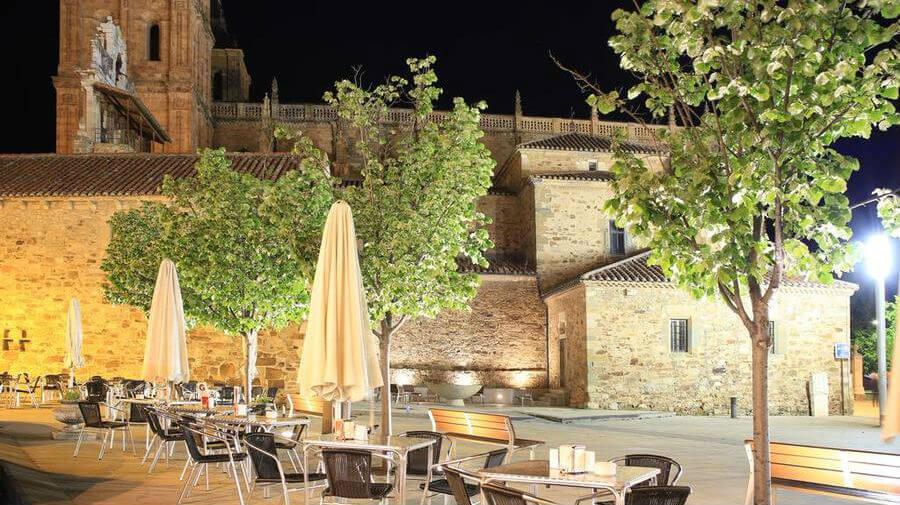 Hotel Gaudí, Astorga, León - Camino Francés :: Alojamientos del Camino de Santiago