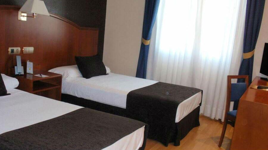 Hotel Ponferrada Plaza, Ponferrada, León - Camino Francés :: Alojamientos del Camino de Santiago