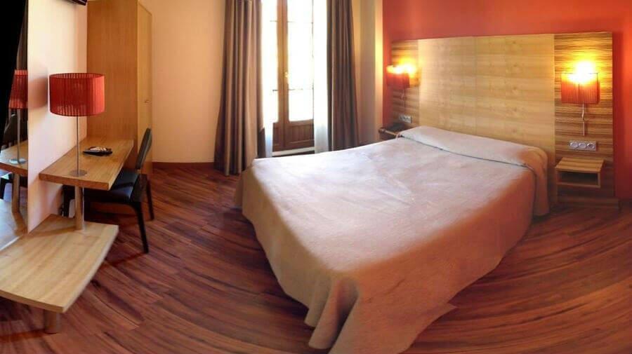 Hotel Spa Q!H Centro León, León - Camino Francés :: Alojamientos del Camino de Santiago