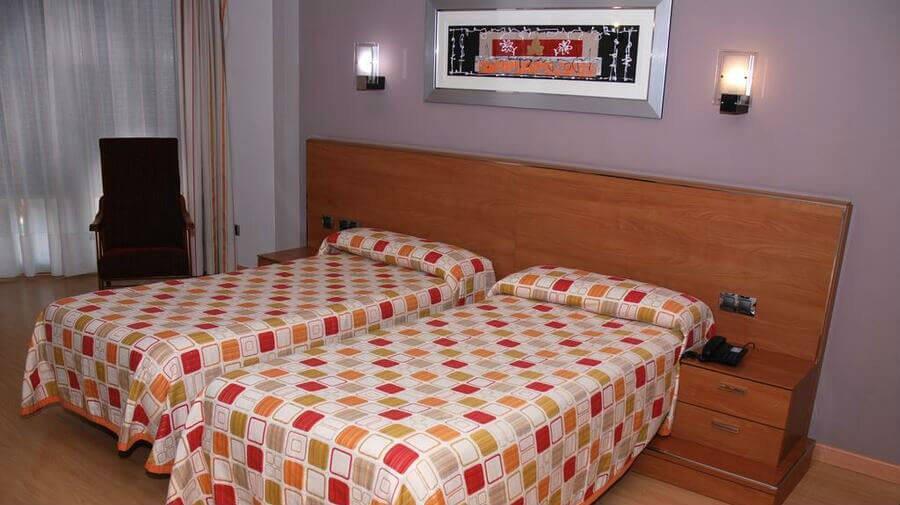 Hotel Villa de Cacabelos, Cacabelos, León - Camino Francés :: Alojamientos del Camino de Santiago