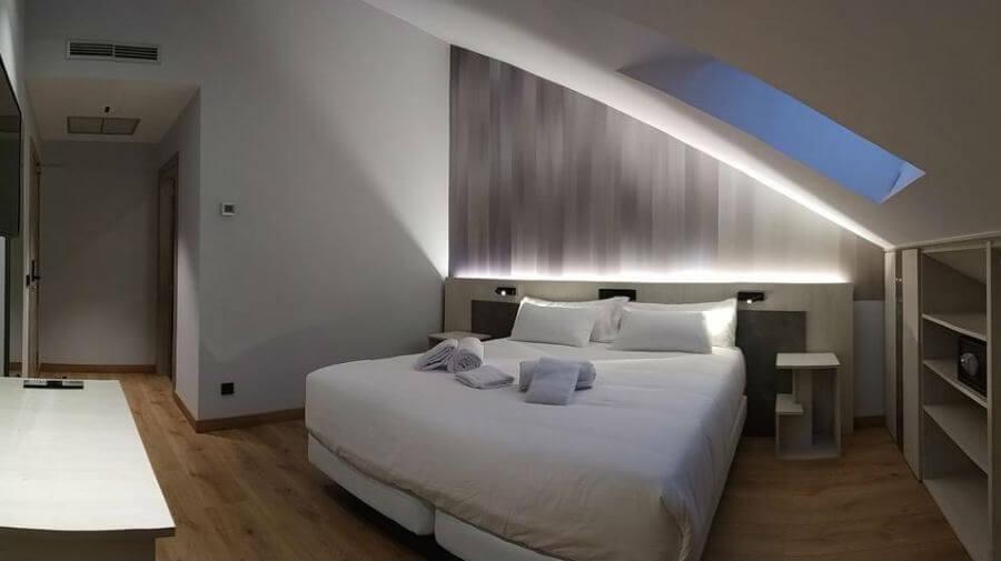 Hotel Neru, León - Camino Francés :: Alojamientos del Camino de Santiago