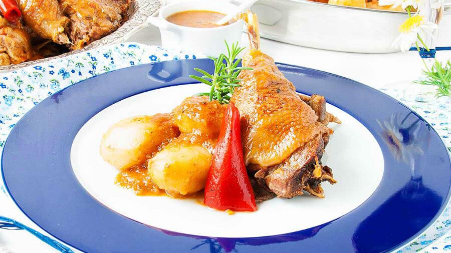 Gallo Piñeira guisado :: Gastronomía del Camino de Santiago