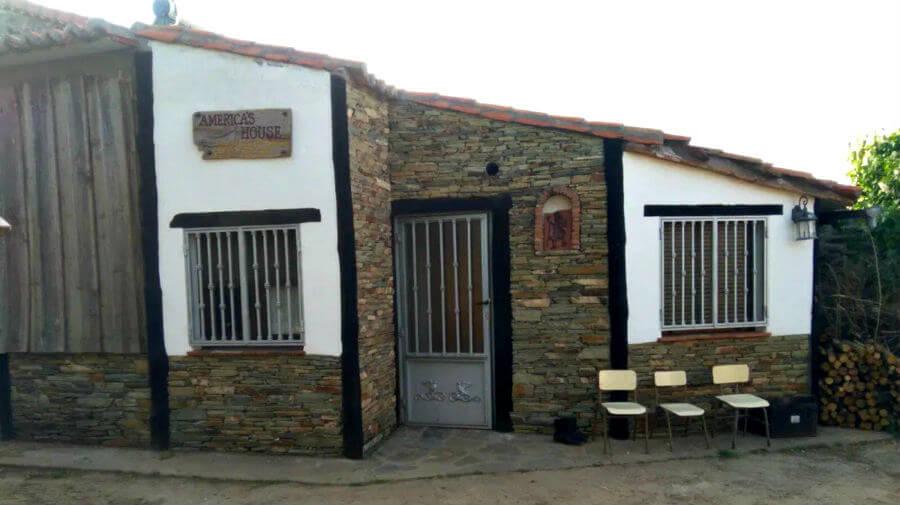 Albergue parroquial Santa María de Fuenterroble de Salvatierra, Salamanca - Vía de la Plata :: Albergues del Camino de Santiago