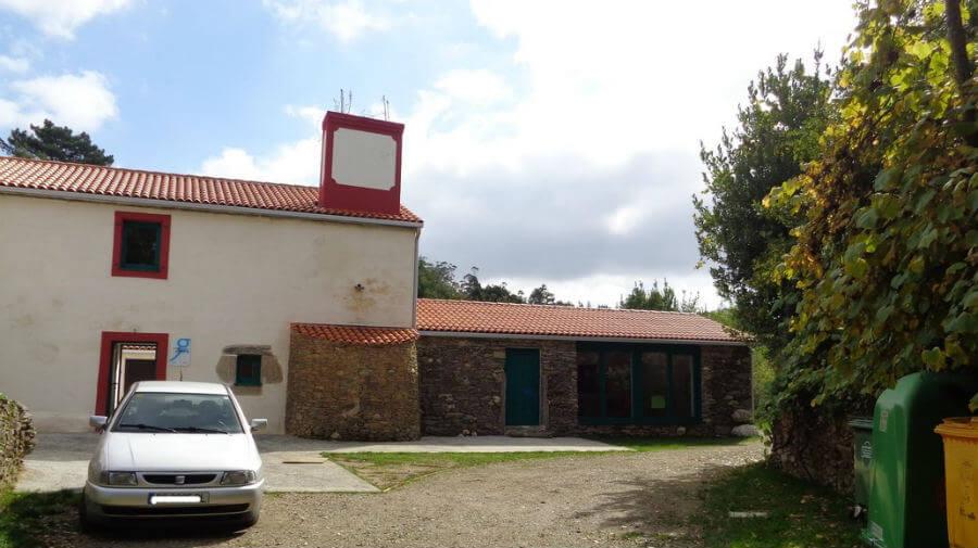 Albergue de peregrinos Rectoral de Poulo, La Coruña - Camino Inglés :: Albergues del Camino de Santiago