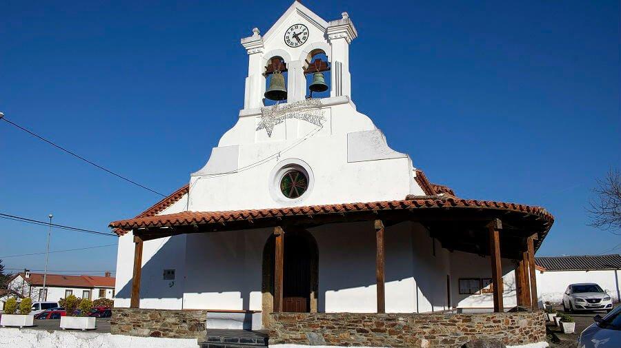 Iglesia parroquial de Novellana, Cudillero, Asturias :: Guía del Camino de Santiago