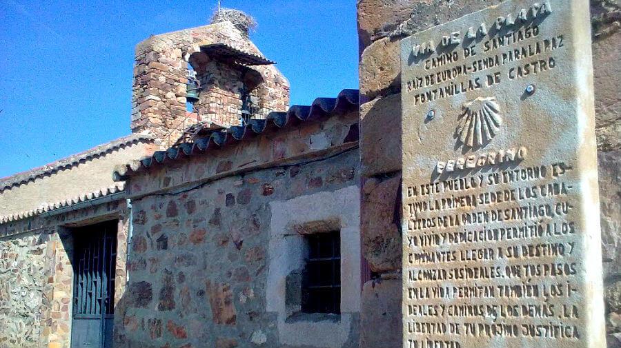 Iglesia y placa de Fontanillas de Castro, Zamora - Vía de la Plata :: Guía del Camino de Santiago