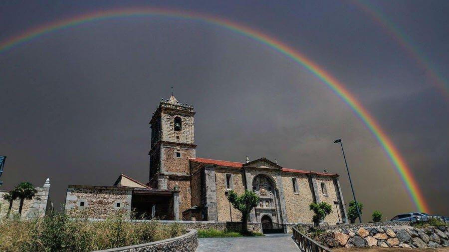 Iglesia parroquial de Isla, Cantabria - Camino del Norte :: Guía del Camino de Santiago