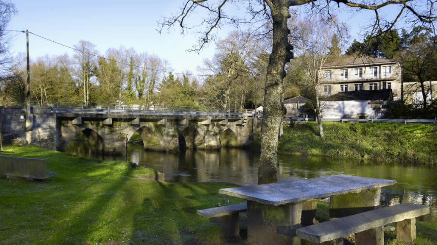 Puente de piedra en Parga, Lugo - Camino del Norte :: Guía del Camino de Santiago