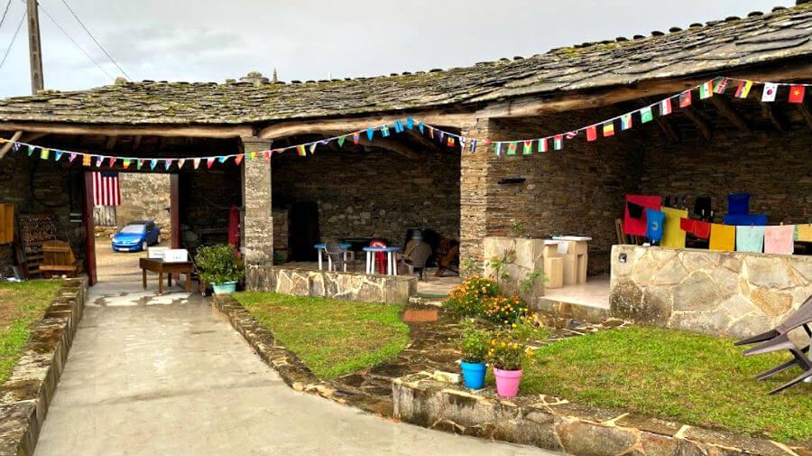 Albergue Casa Banderas, Vilachá, Lugo - Camino Francés :: Albergues del Camino de Santiago